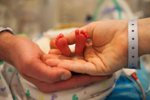 Cuidados específicos que bebês prematuros necessitam