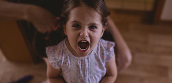 Criança com língua afiada. Como lidar com o respondão