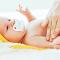 4 cuidados essenciais com a pele do bebê